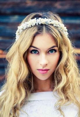 Messy Waves and Curls At Hair Oasis in Pitsea, Basildon